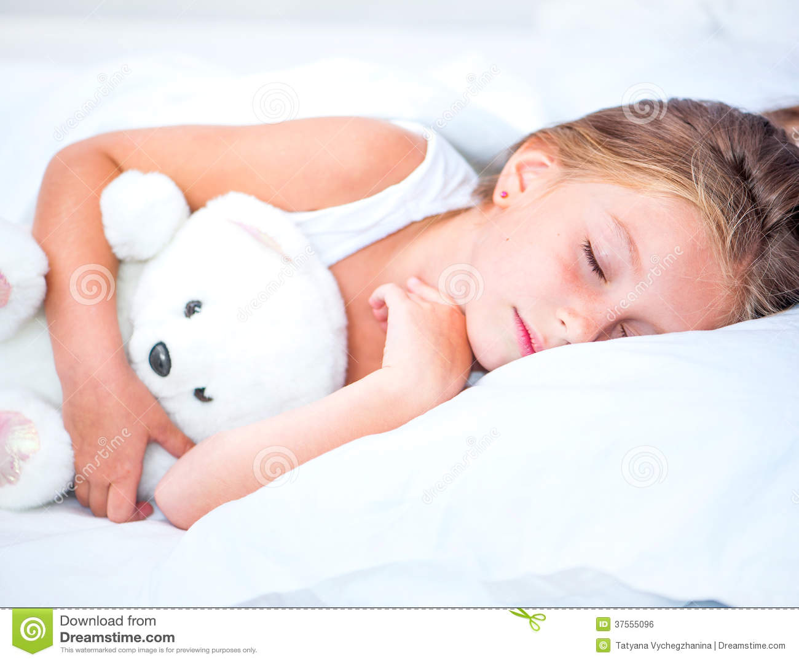 小女孩睡眠