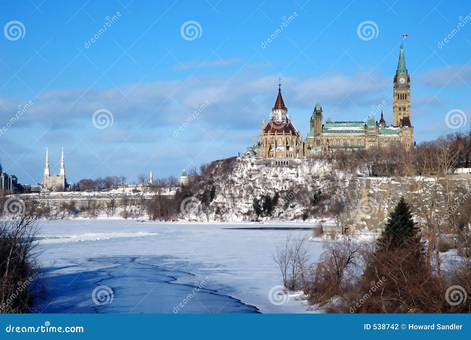 Download 小山渥太华议会 库存照片. 图片 包括有 旅行, 资本, 小山, 冬天, 渥太华, 议会, 加拿大, 和平 - 538742