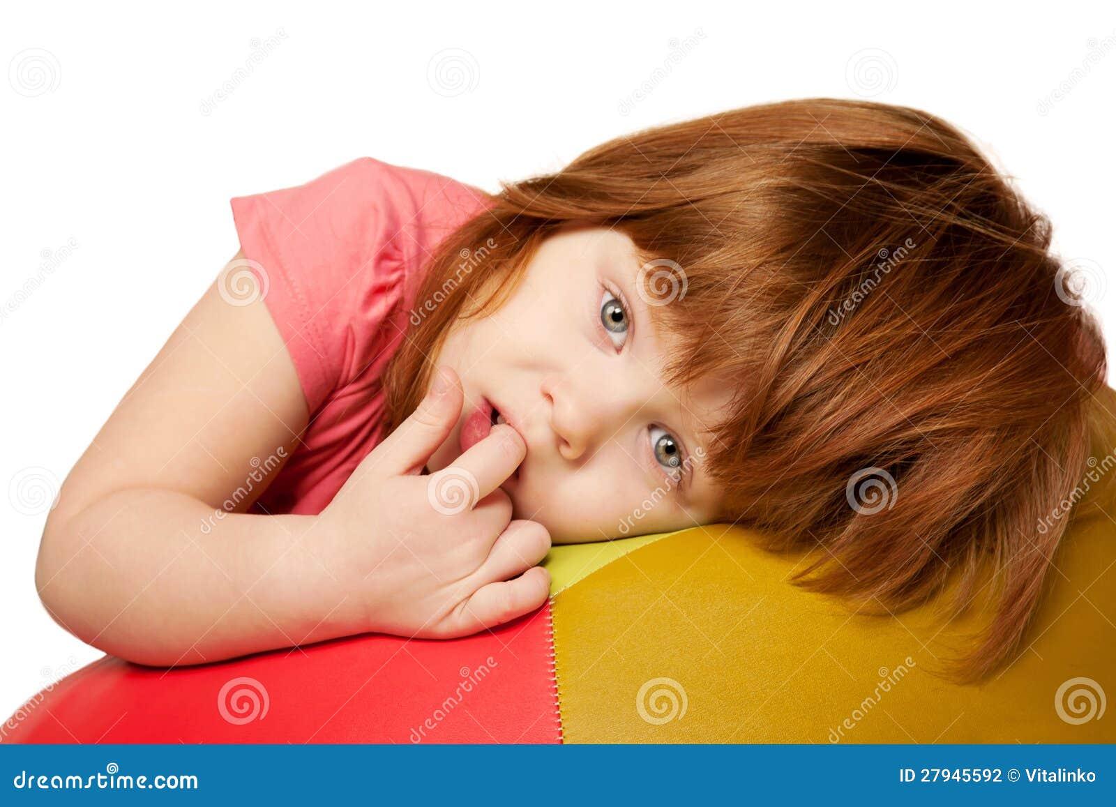 小红发女孩纵向
