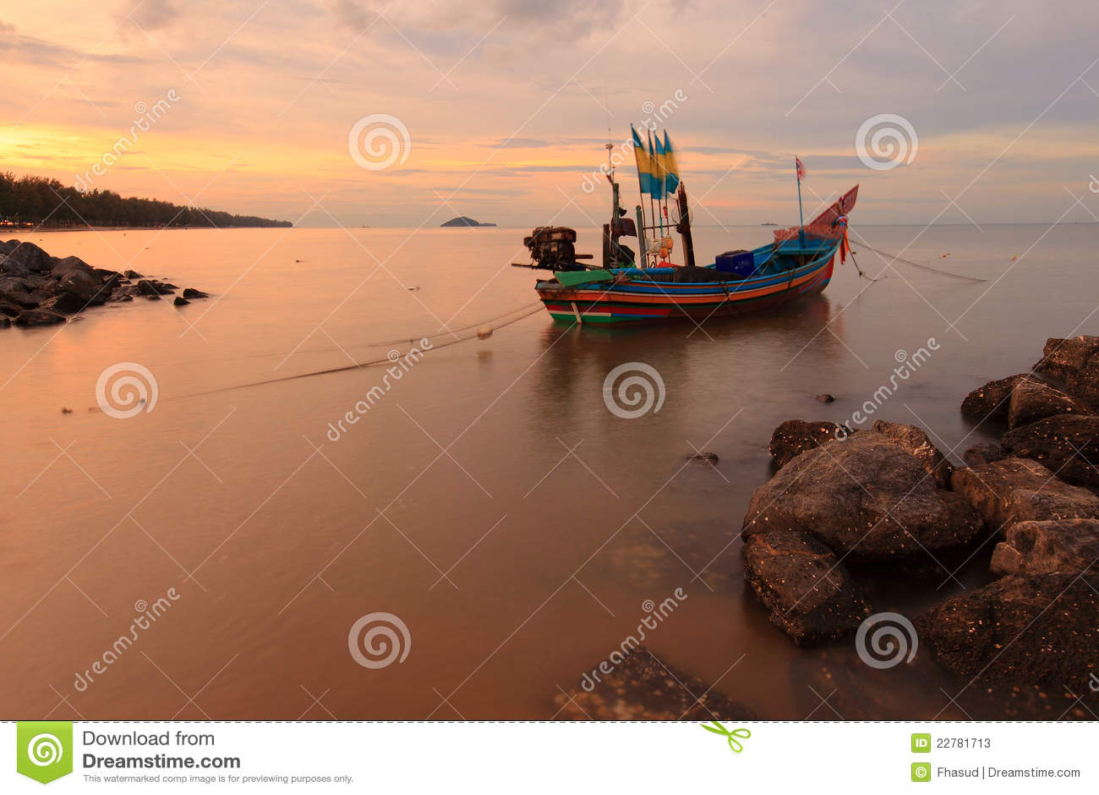 小船渔夫日落