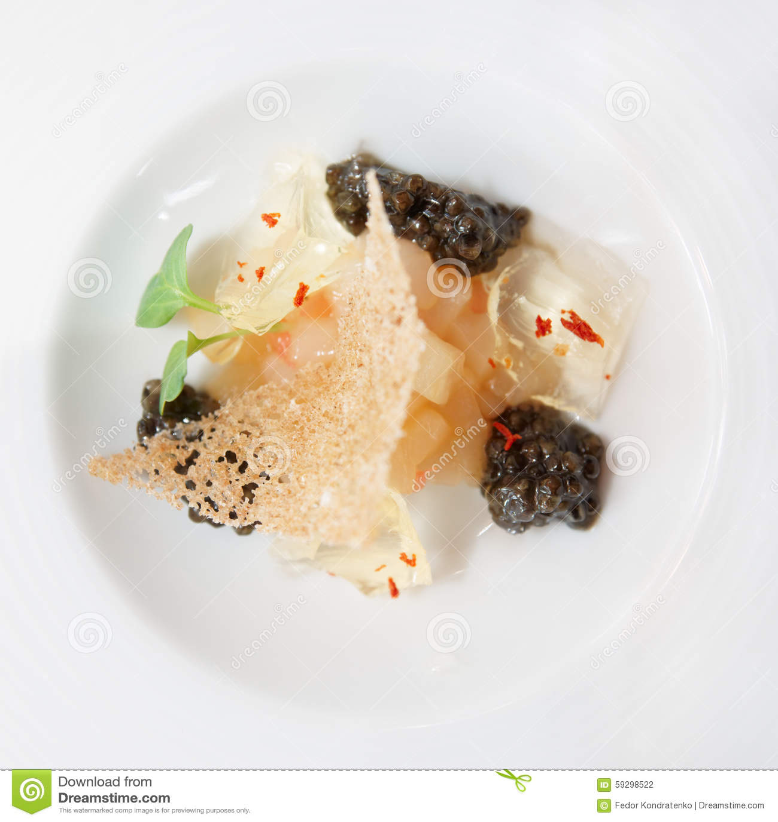 小食家盘用黑鱼子酱