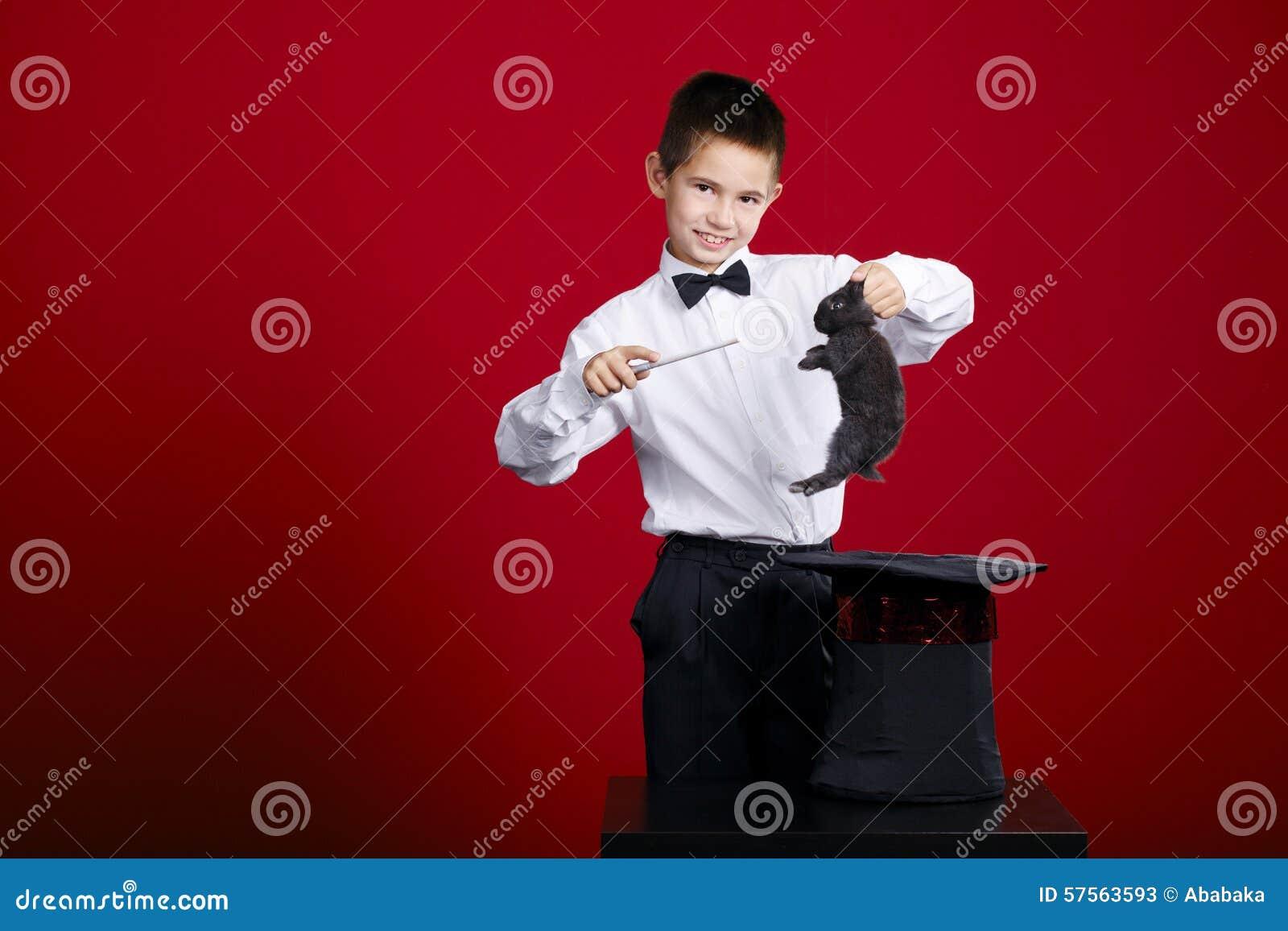 小魔术师用兔子