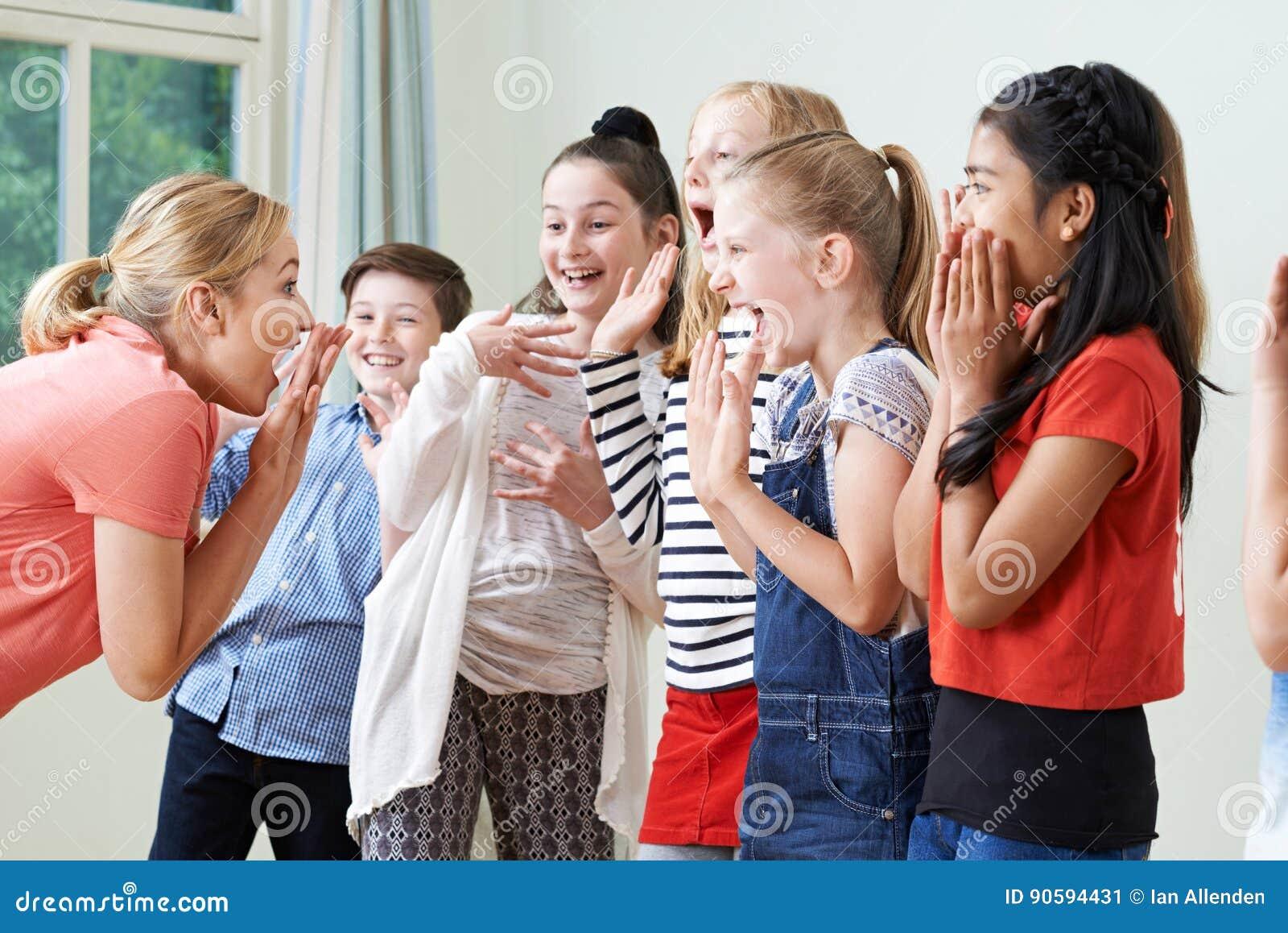 小组有一起享受戏曲类的老师的孩子
