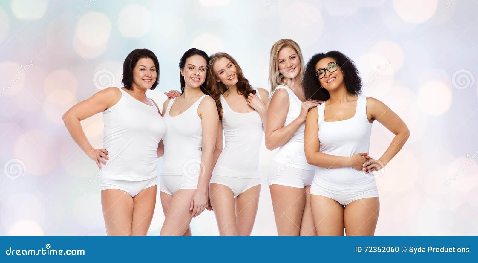小组白色内衣的愉快的不同的妇女