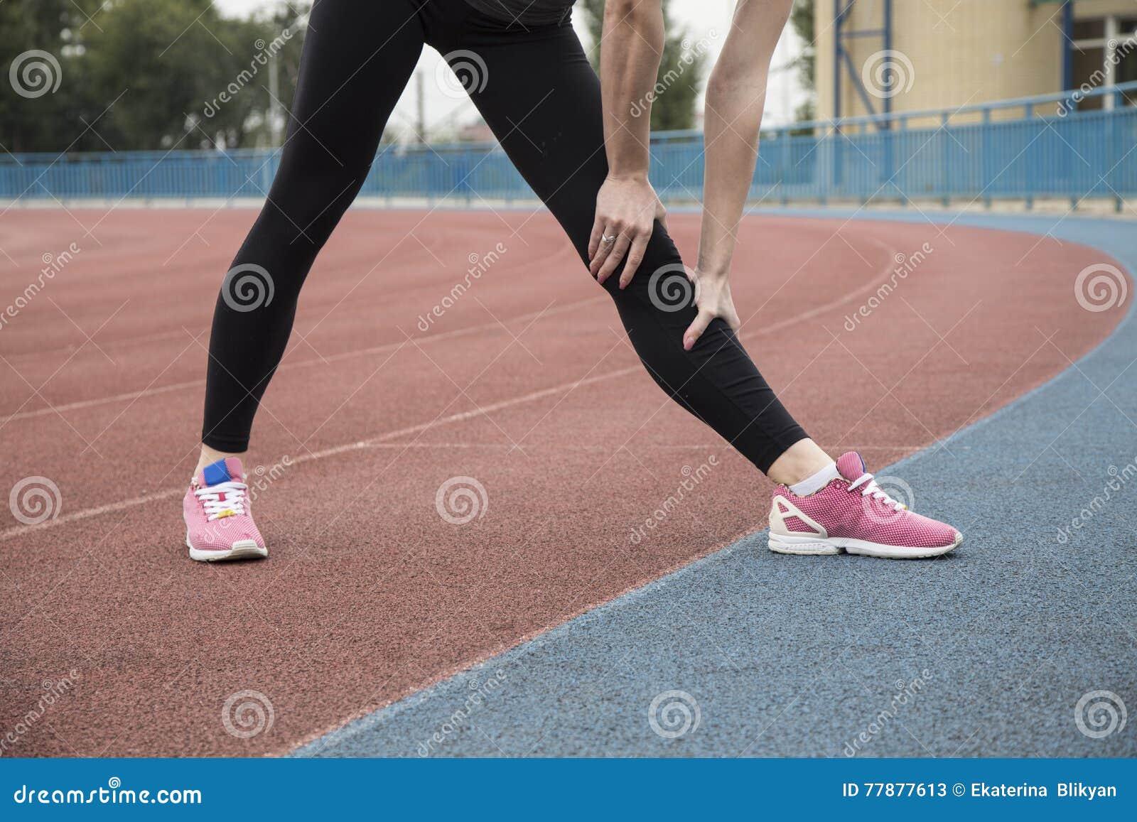 少妇向体育求助