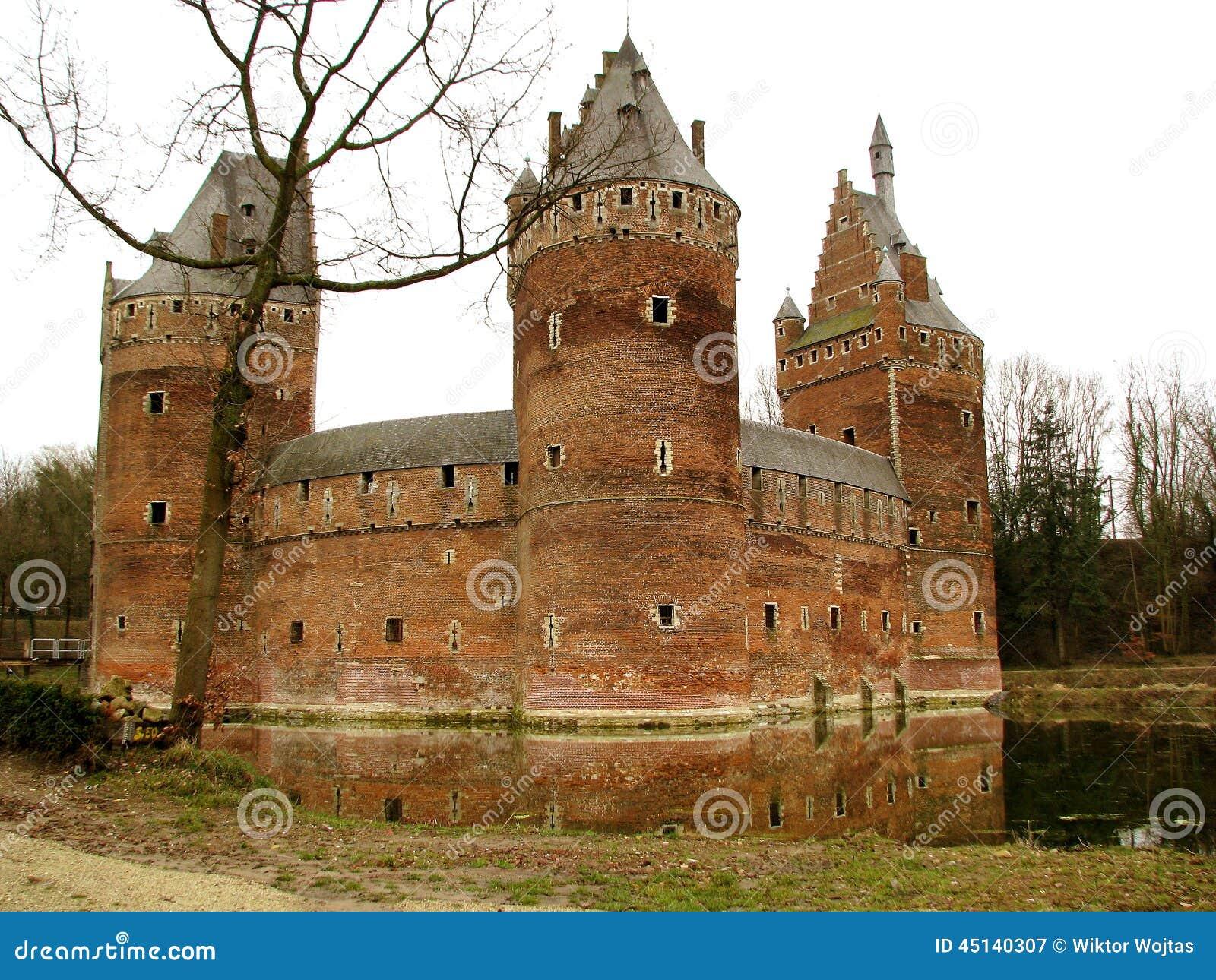 贝尔塞尔城堡(比利时)