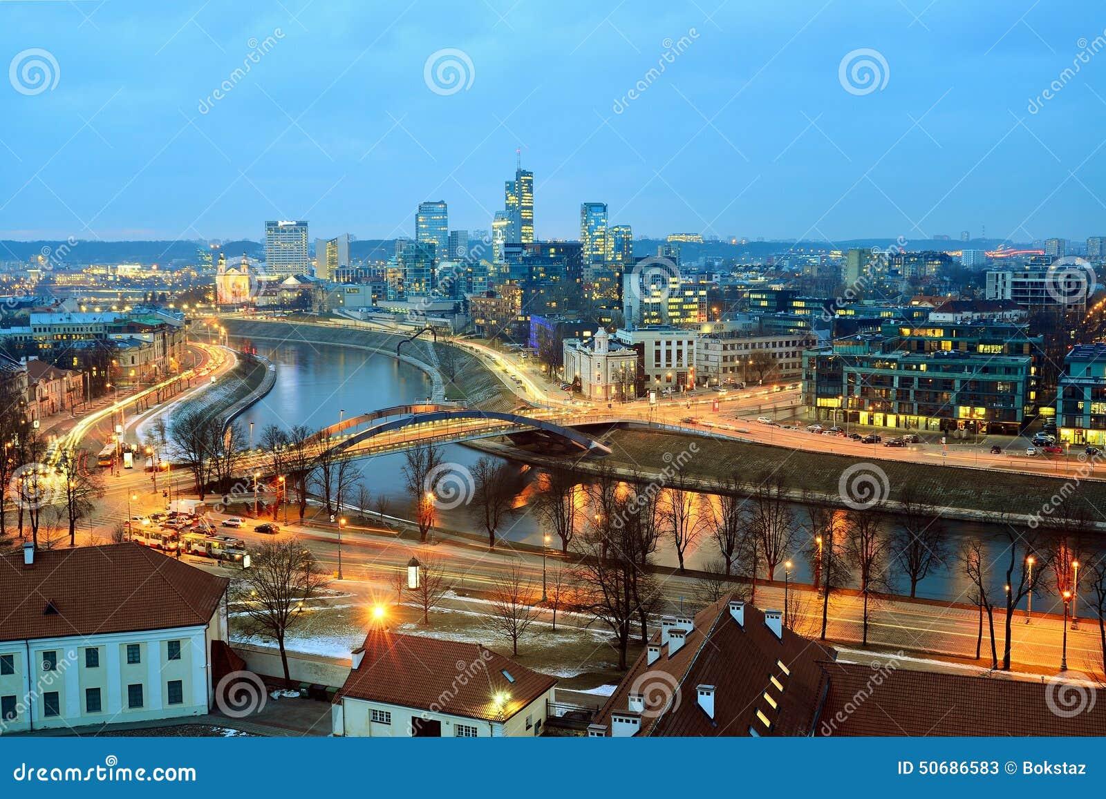 Download 维尔纽斯从Gediminas城堡塔的冬天全景 库存图片. 图片 包括有 beautifuler, 立陶宛语 - 50686583