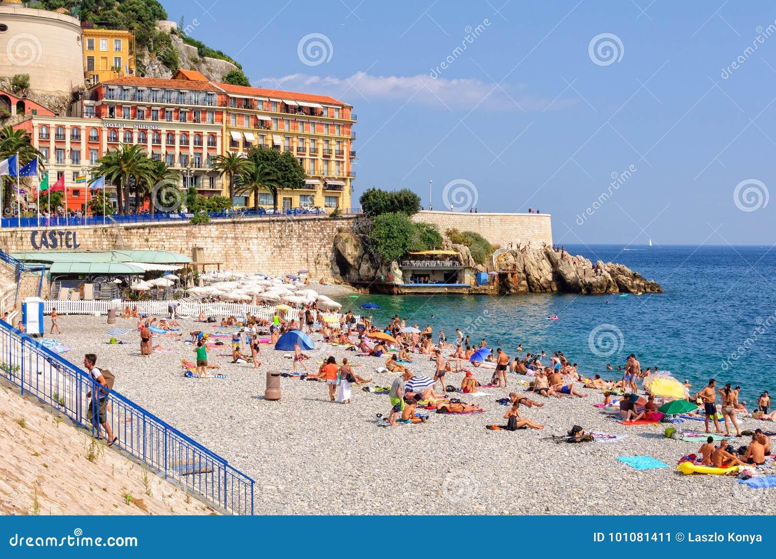 尼斯Castel的海滩-