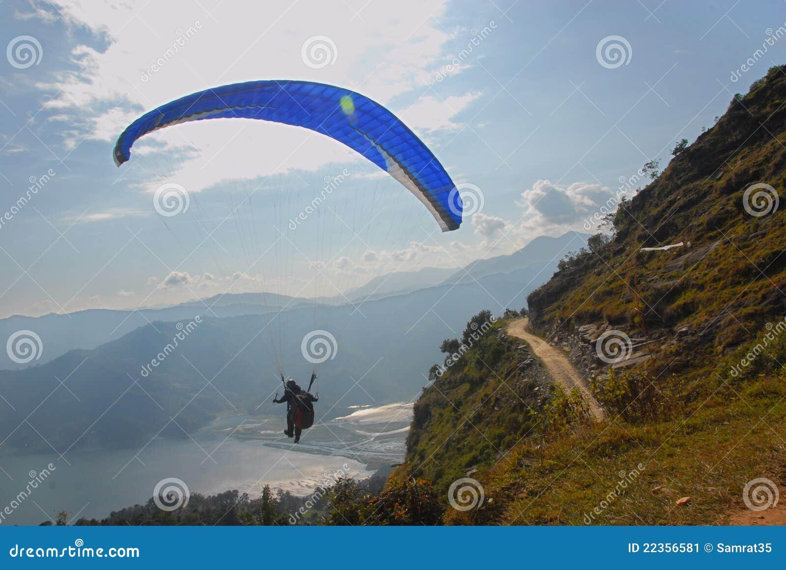 尼泊尔滑翔伞