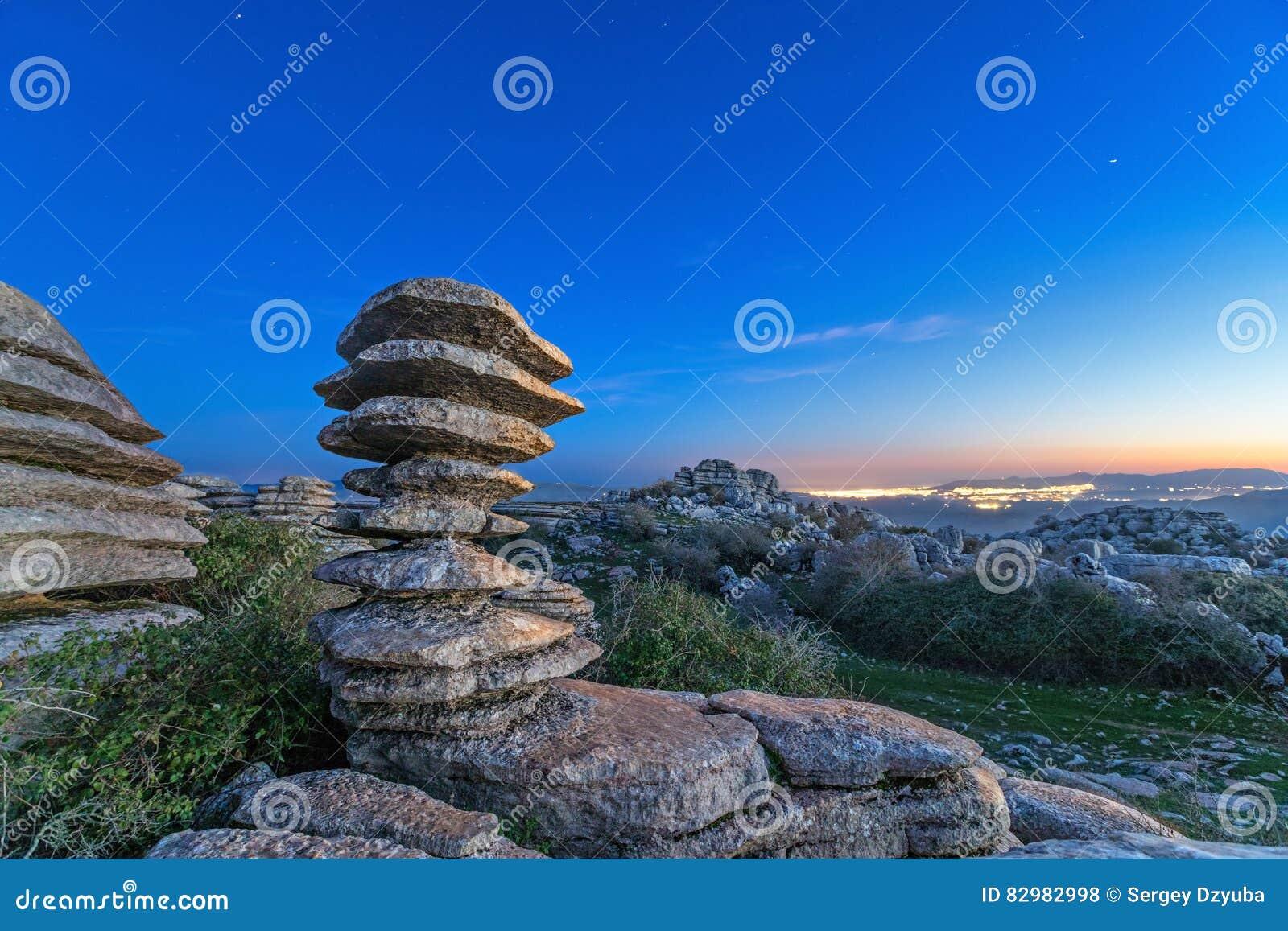 层压制品的岩石在El Torcal自然公园