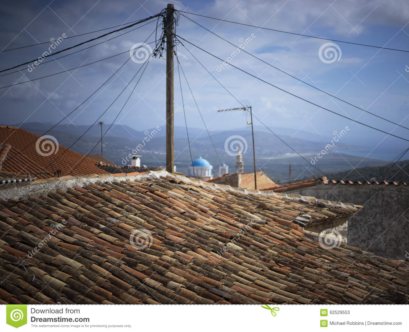 屋顶和半球形的教会 萨莫斯岛 希腊