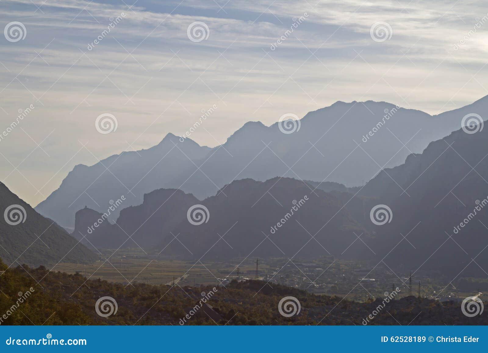 山剪影在Arco中