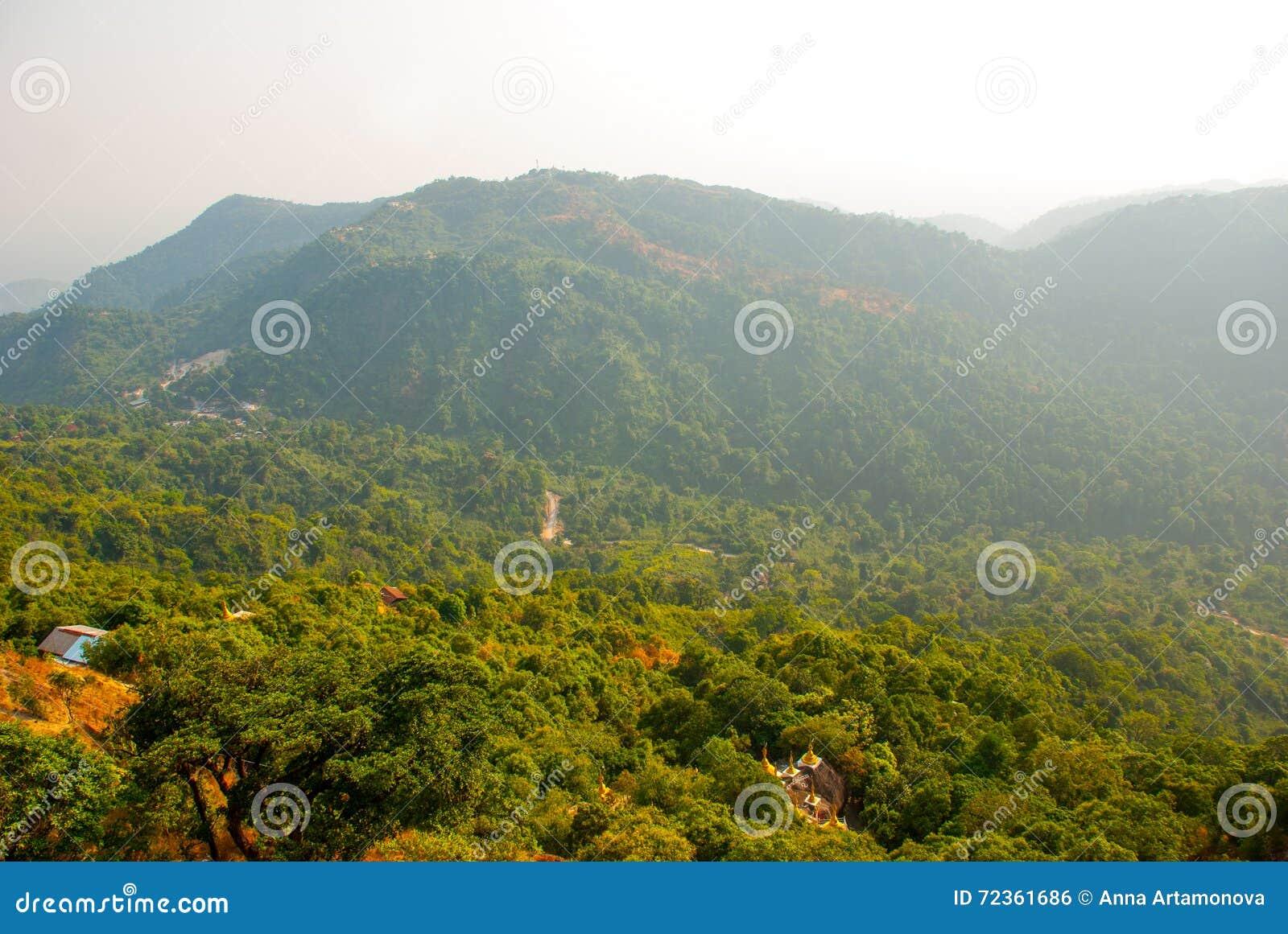 从山的视图 缅甸