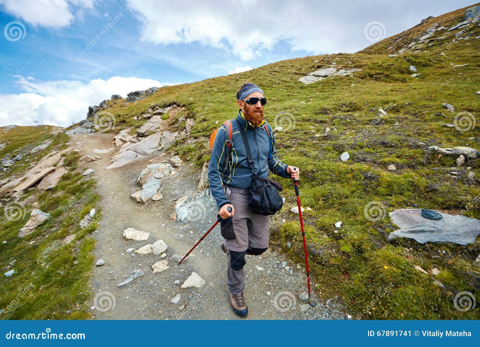 山的远足者