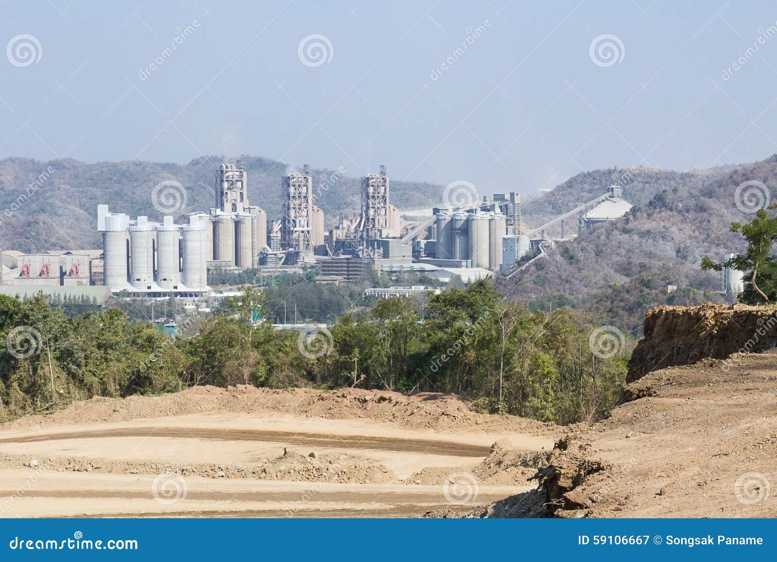 山的水泥工厂