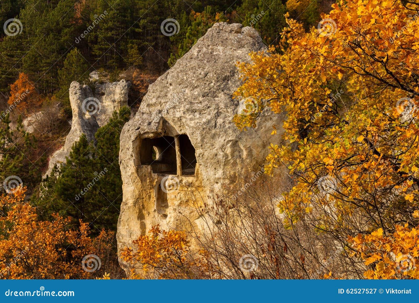 岩石修道院
