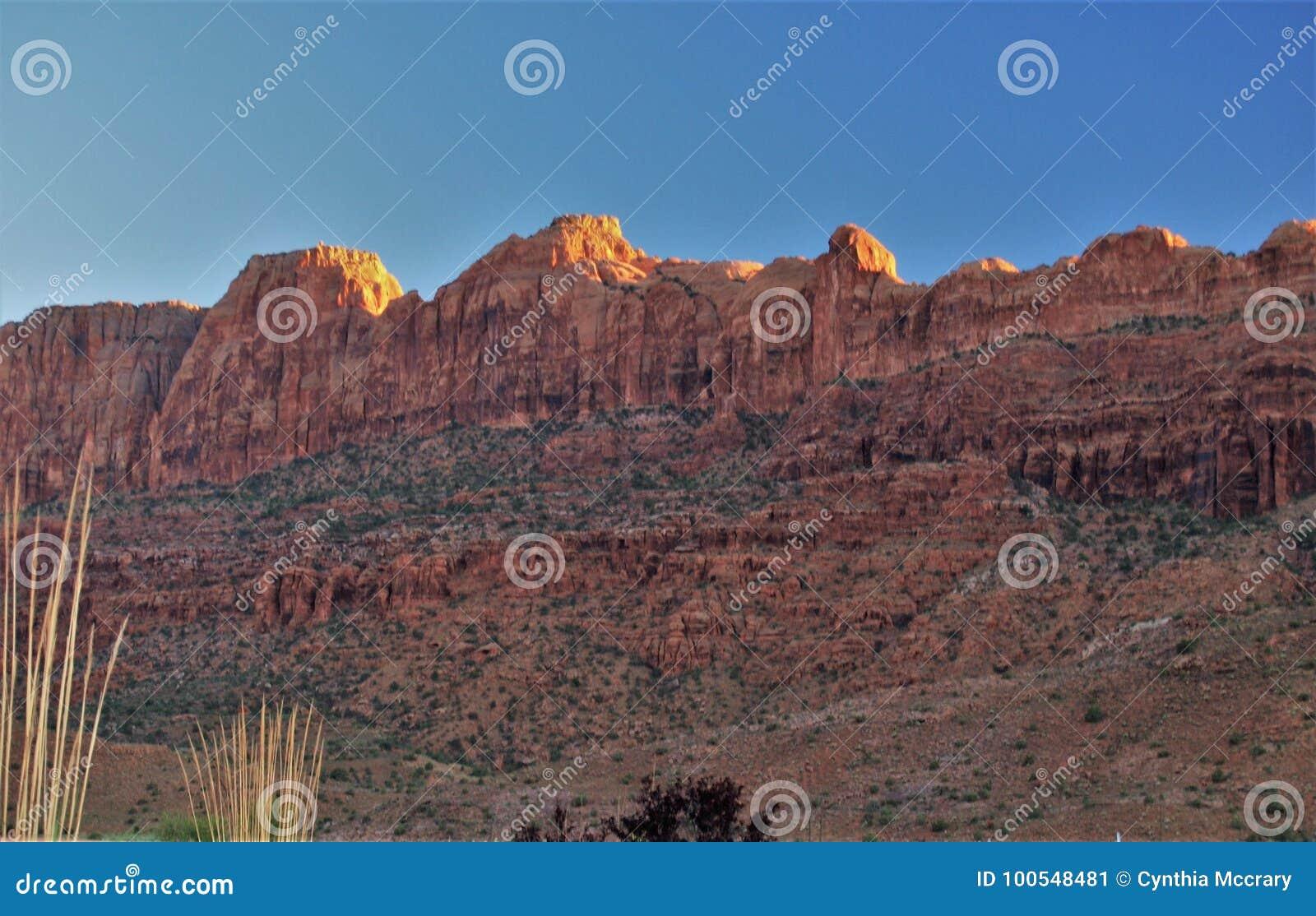 峡谷为度假区装边