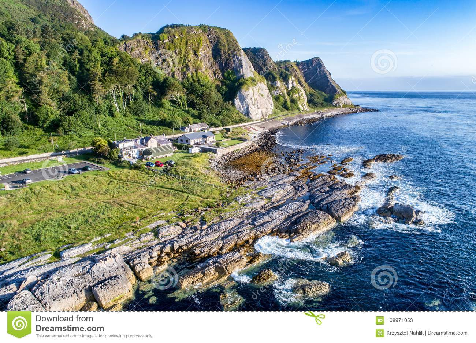 峭壁和堤道沿海路线,北爱尔兰,英国
