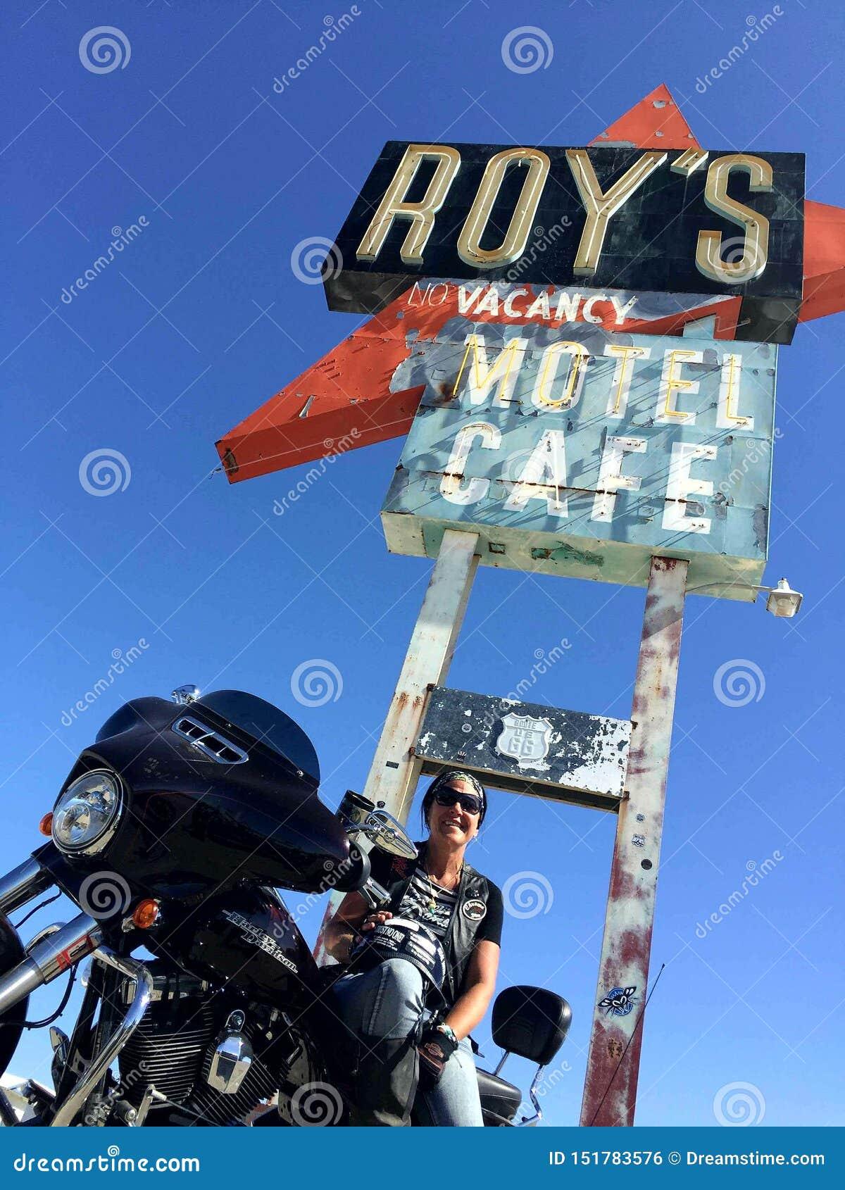 巡航的路线66 @罗伊的咖啡馆