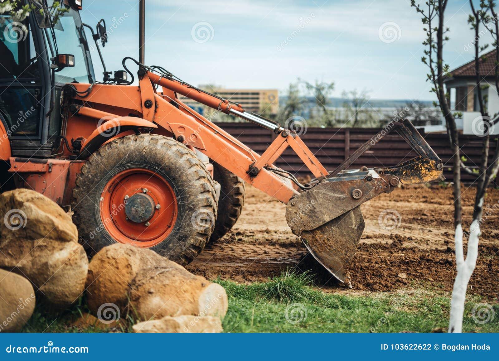 工业推土机细节-与在建造场所的土壤一起使用