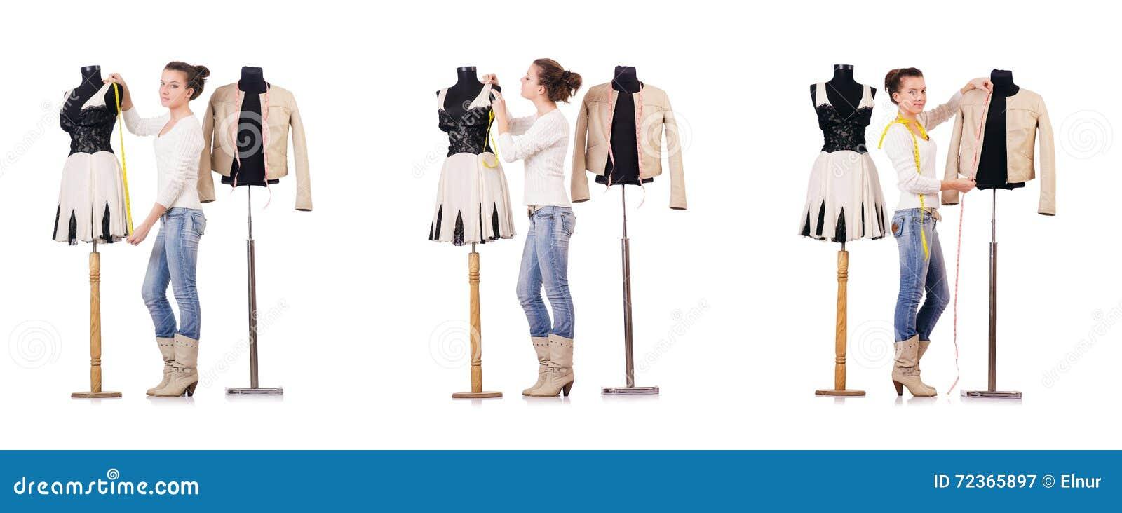 工作在礼服的妇女裁缝