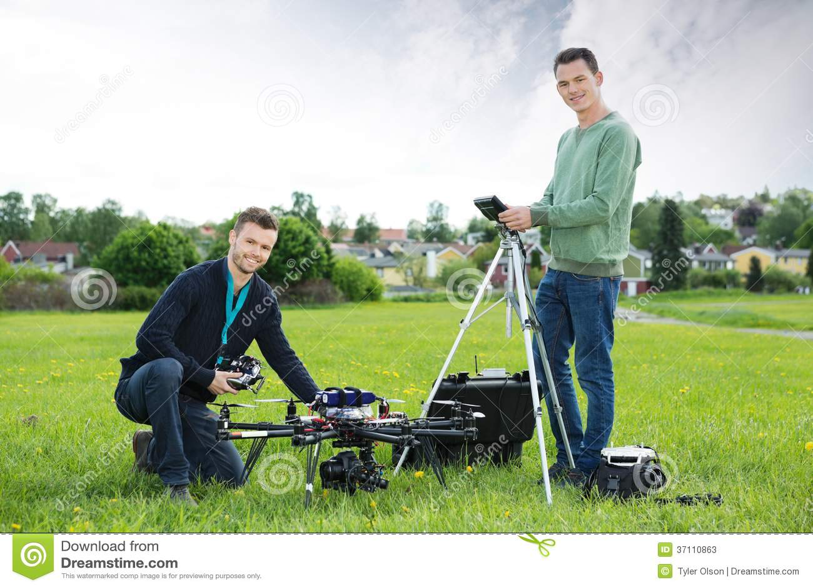 工作在UAV直升机的技术员