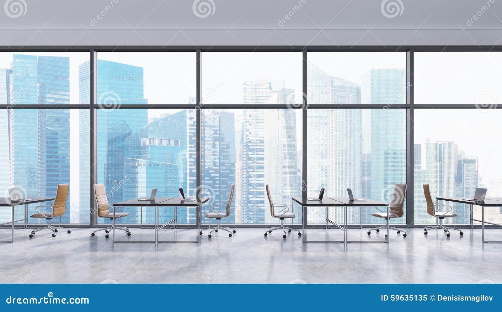 工作场所在一个现代全景办公室,新加坡市视图 露天场所 黑桌和棕色皮椅