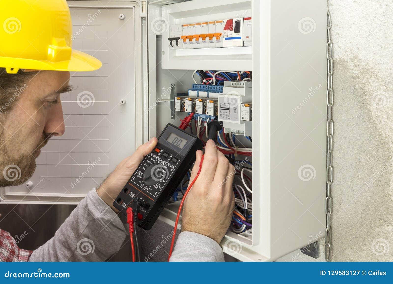 工作措施的电工电流