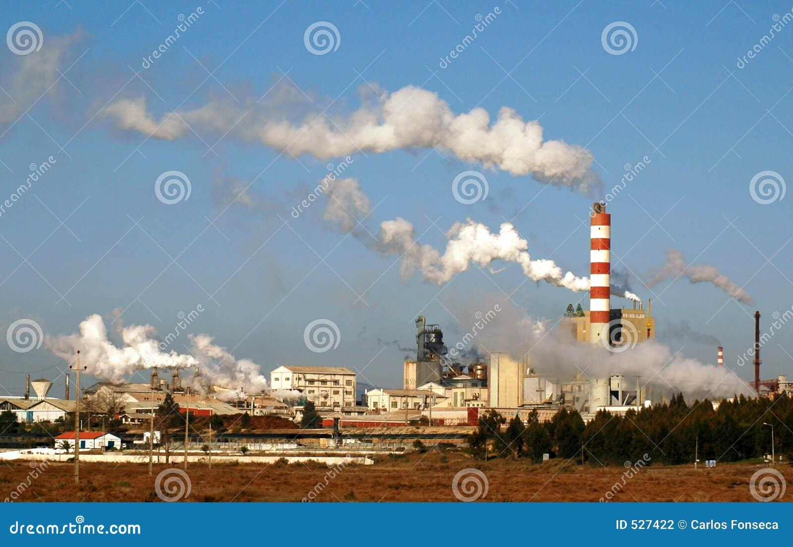 Download 工厂设备 库存照片. 图片 包括有 节省额, 行业, 生态, 工厂, 浪费, 环境, 除之外, 关闭, 次幂 - 527422