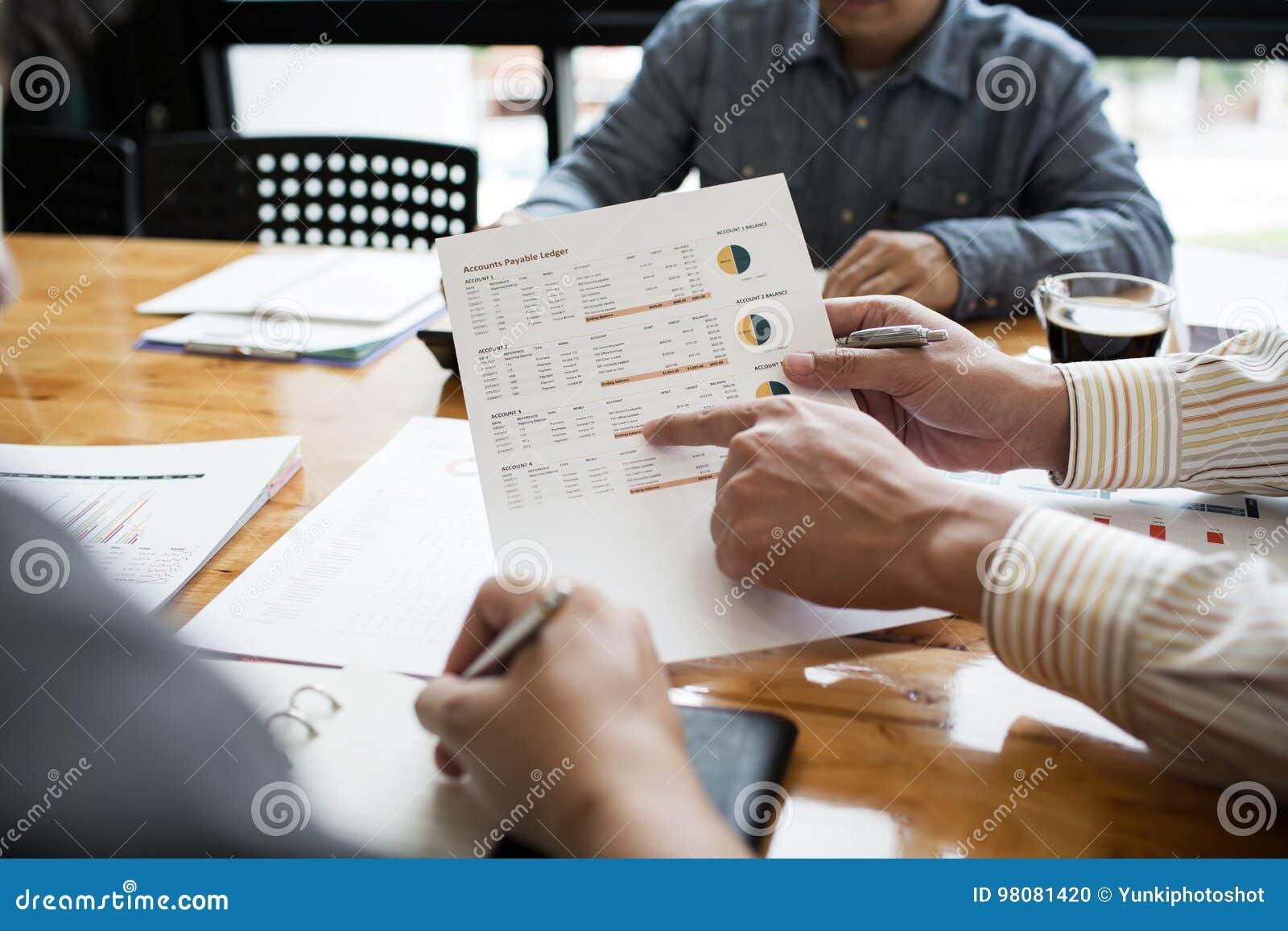 工友是在商业文件,税的顾问