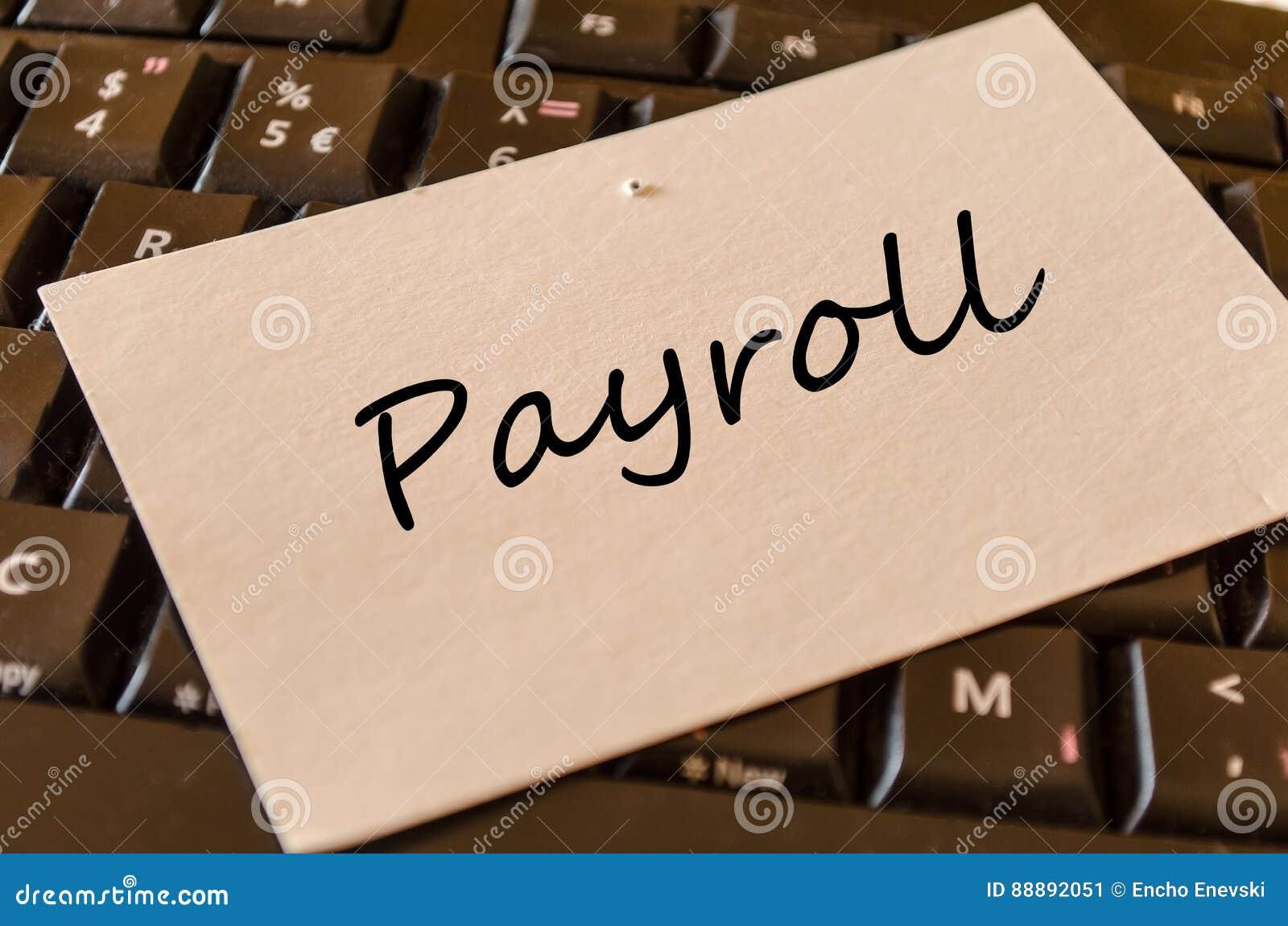 工资单-关于键盘的笔记在办公室