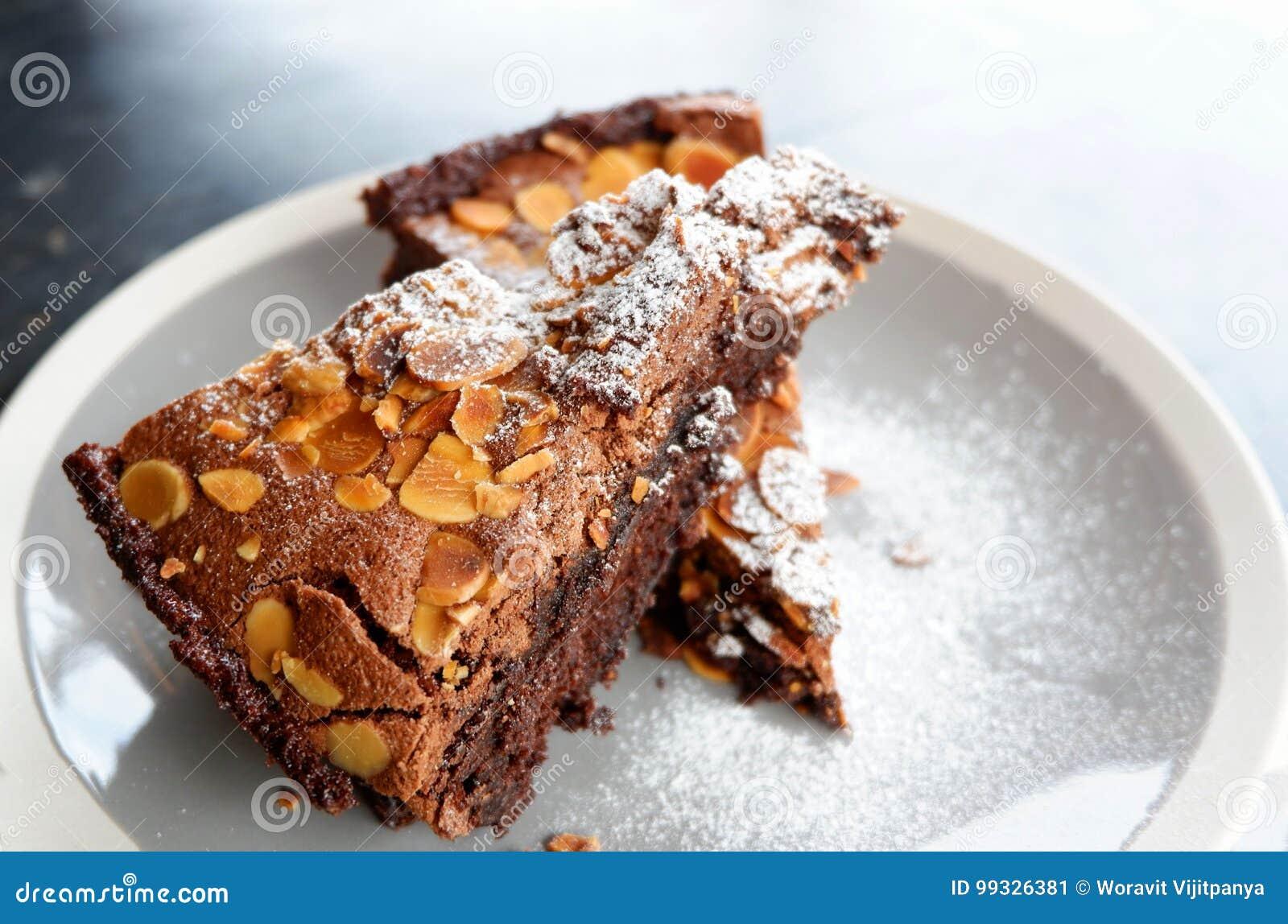 巧克力果仁巧克力蛋糕