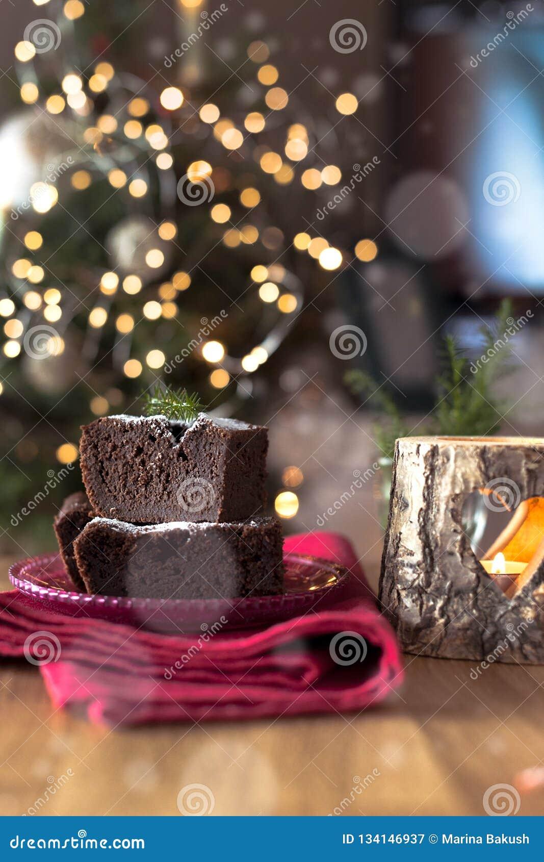 巧克力自创早餐的圣诞节蛋糕为假日 文本的空位