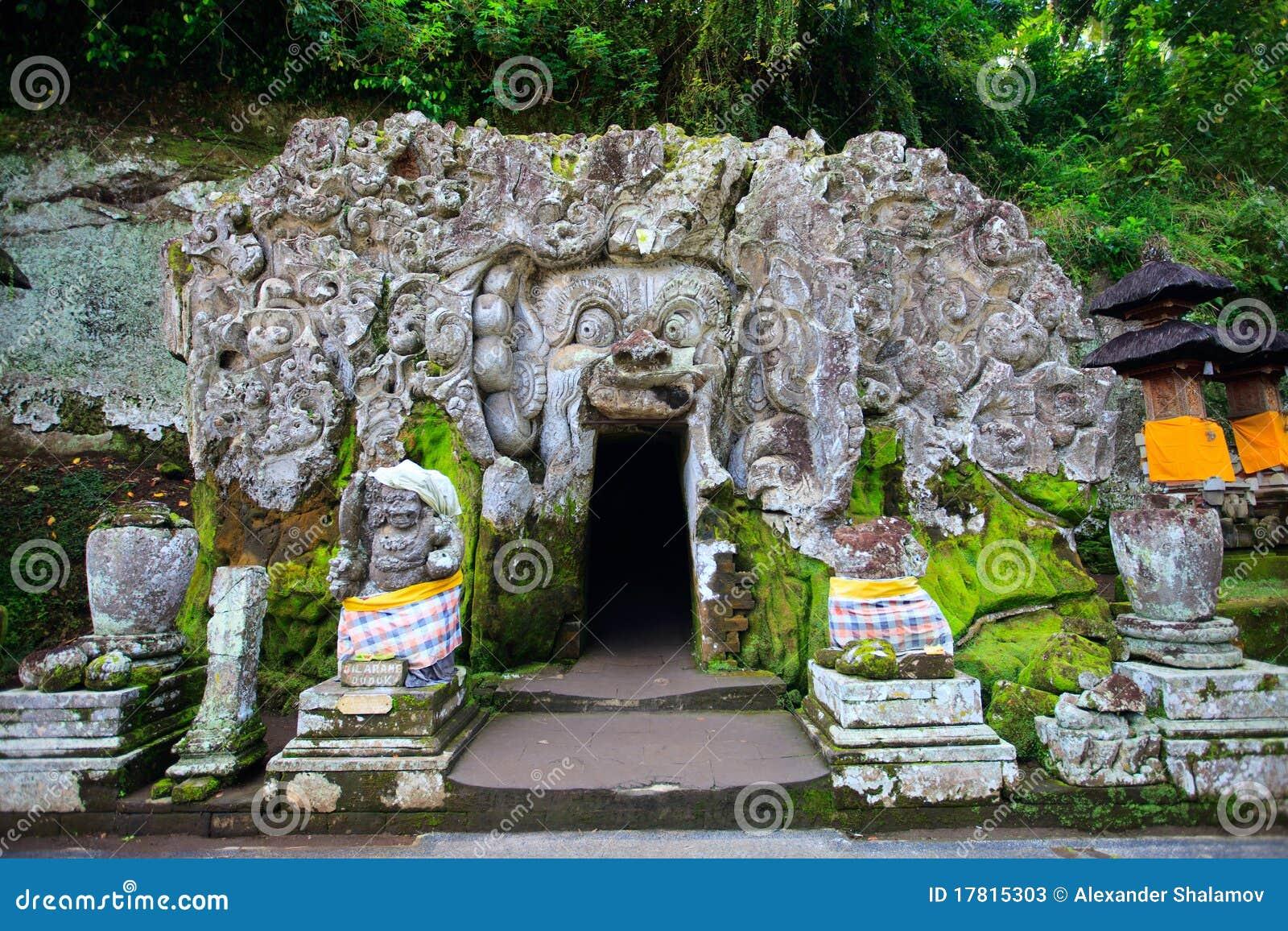 巴厘岛洞大象寺庙