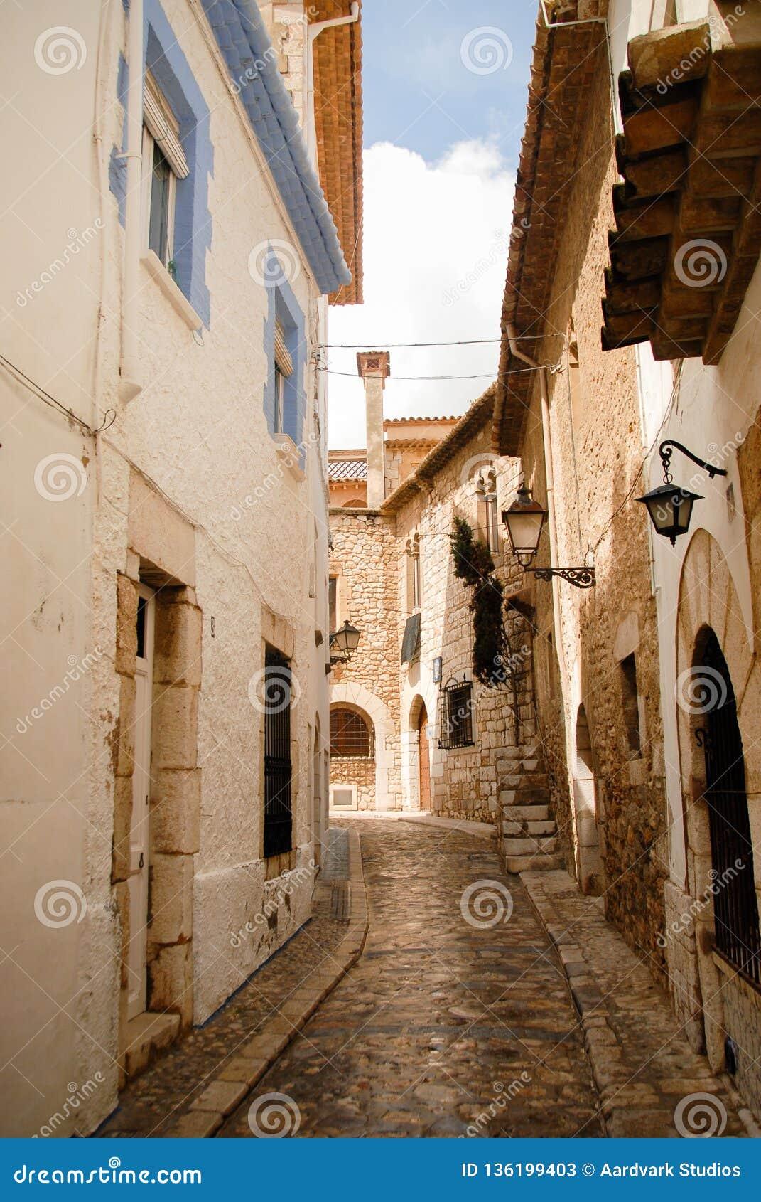 巴塞罗那被修补的narow街道