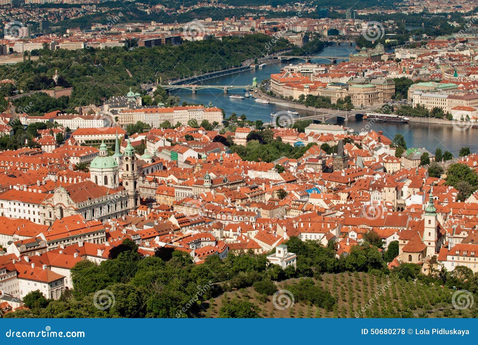 Download 布拉格,捷克共和国 库存照片. 图片 包括有 空间, 捷克语, 欧洲, beauvoir, 红色, 贿赂 - 50680278