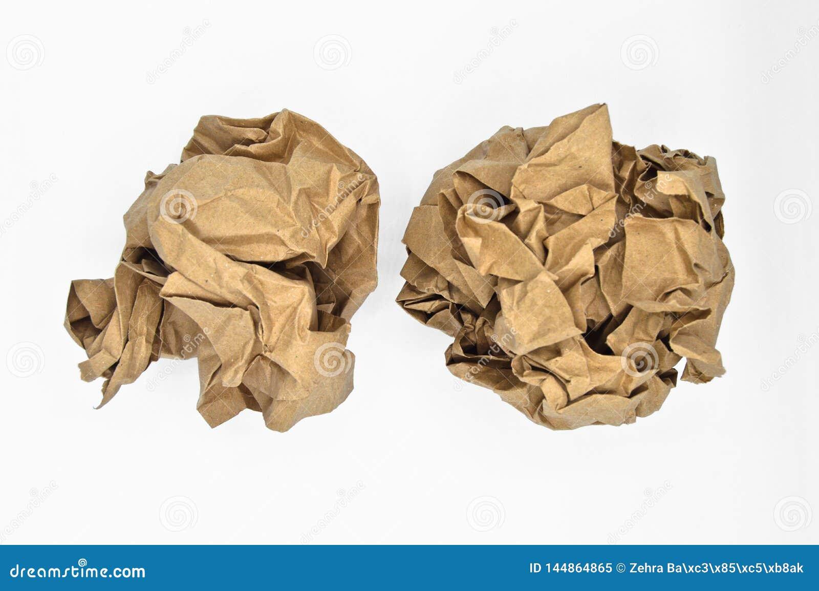 布朗和米黄压皱纸球
