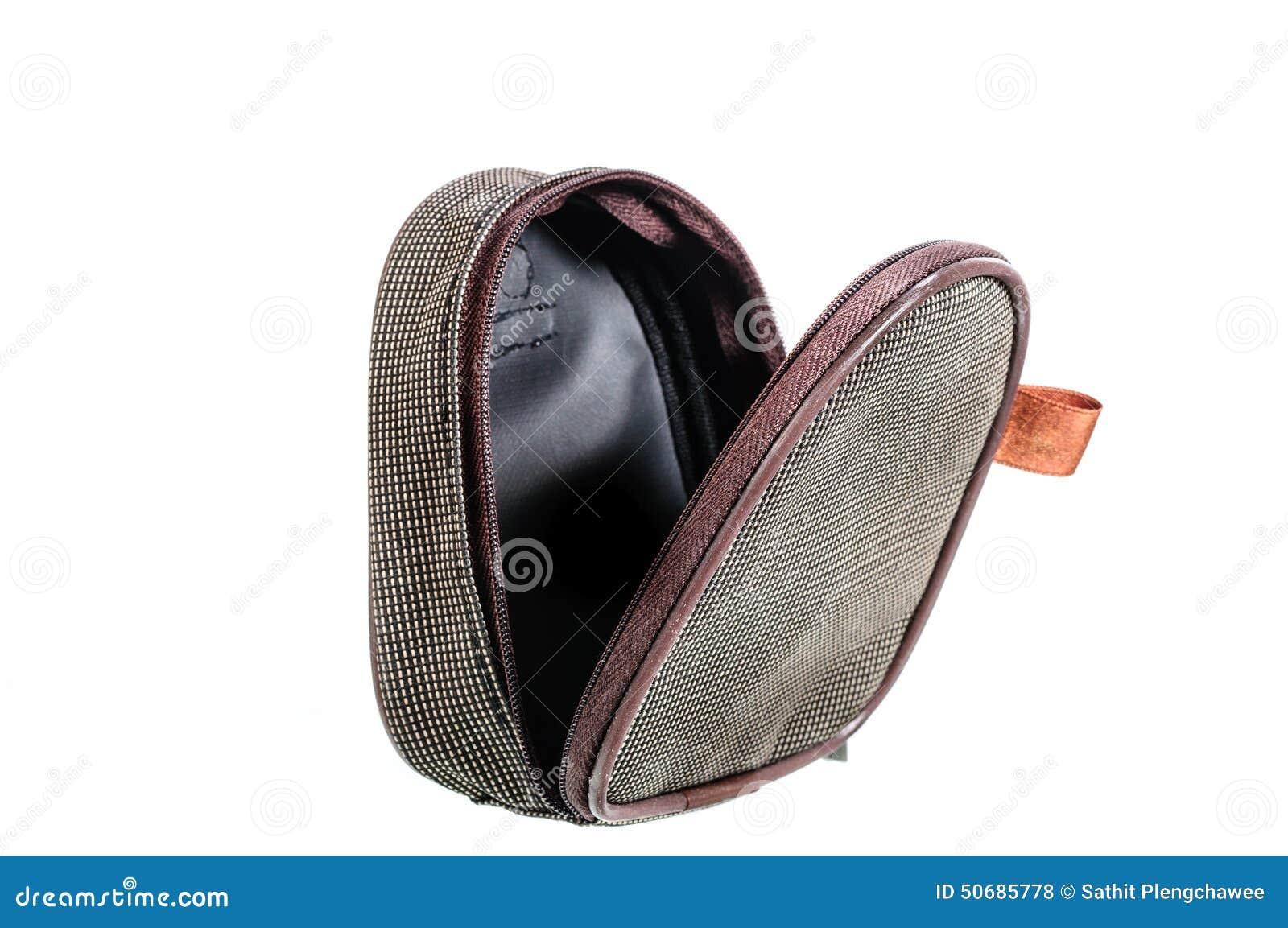 Download 布朗镶边了盒或钱包 库存照片. 图片 包括有 唯一, 旅行, 必要, 对象, 工具箱, 案件, 背包, 财富 - 50685778