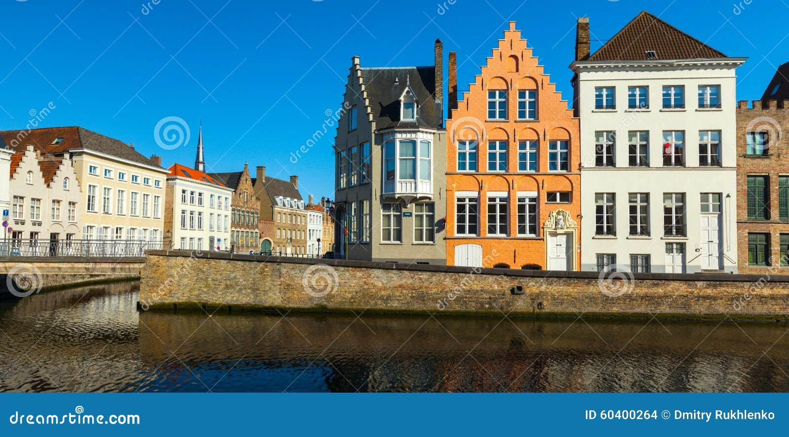 布鲁日中世纪房子和运河,比利时