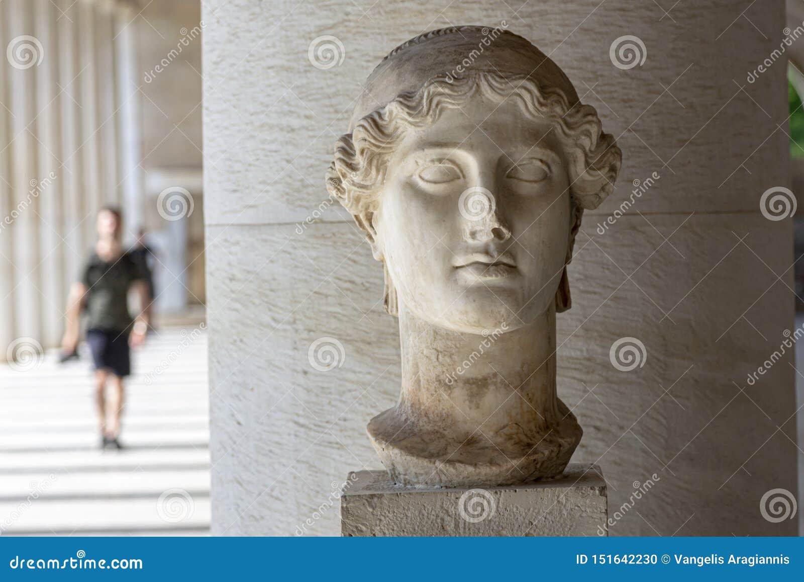 希腊女神耐克雕象