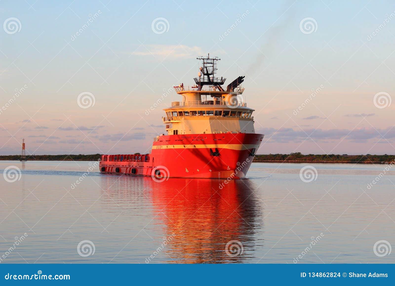 平台供应船