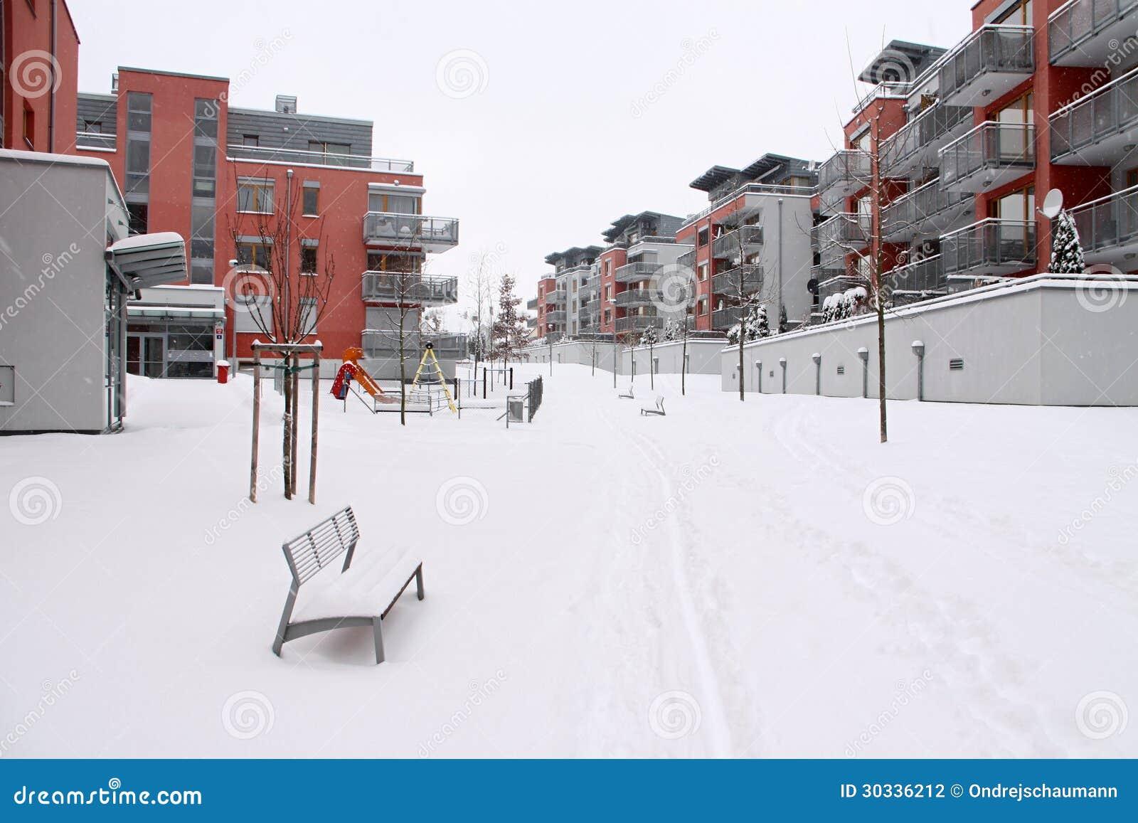 平房子在冬天