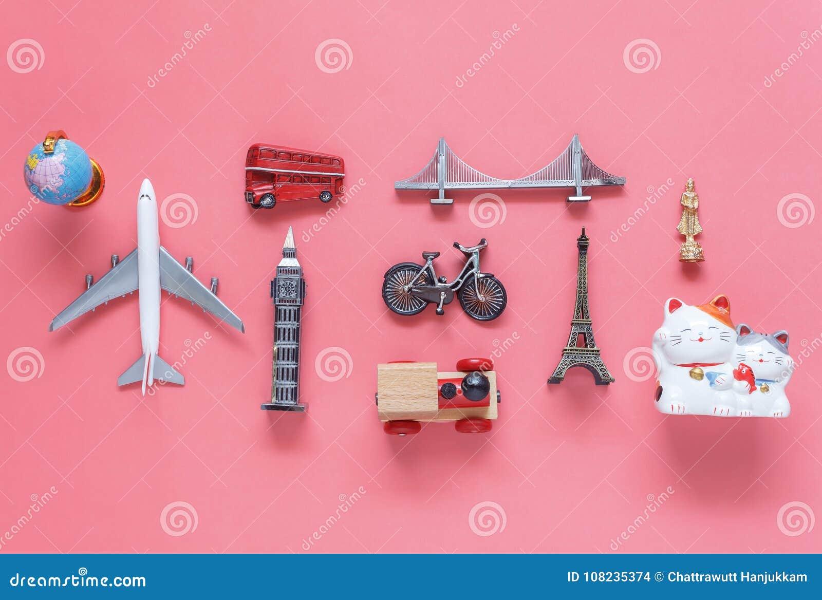 平的旅行背景概念的位置空中图象 台式竞争