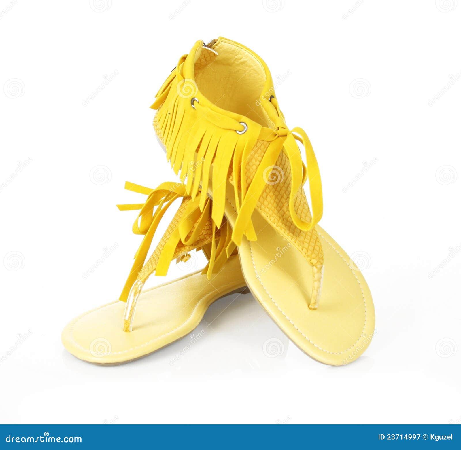 平面的附加费用穿上鞋子黄色