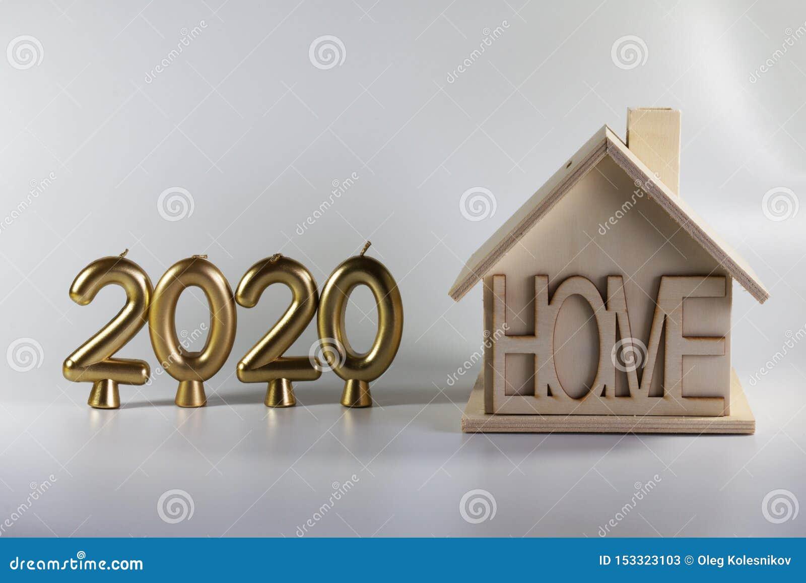 2020年蜡烛和一个自创木房子