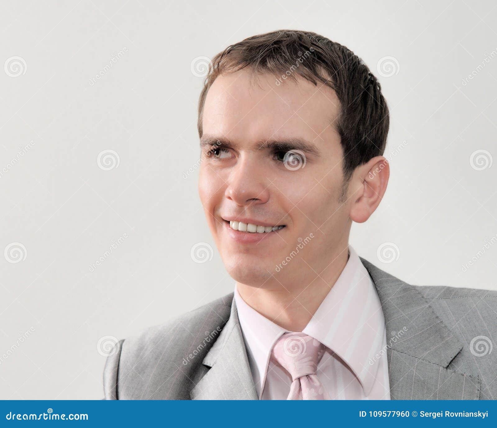 年轻好商人画象在白色背景的