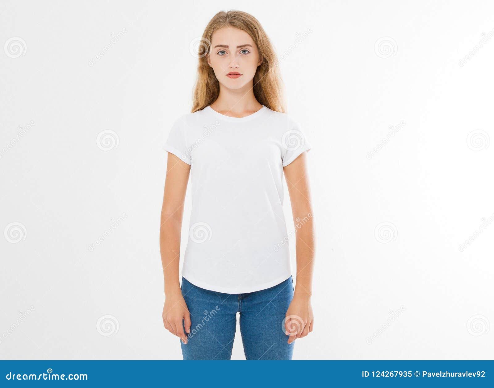 年轻白种人, europian妇女,空白的白色T恤杉的女孩 T恤杉设计和人概念 被隔绝的衬衫的硬前胸视图