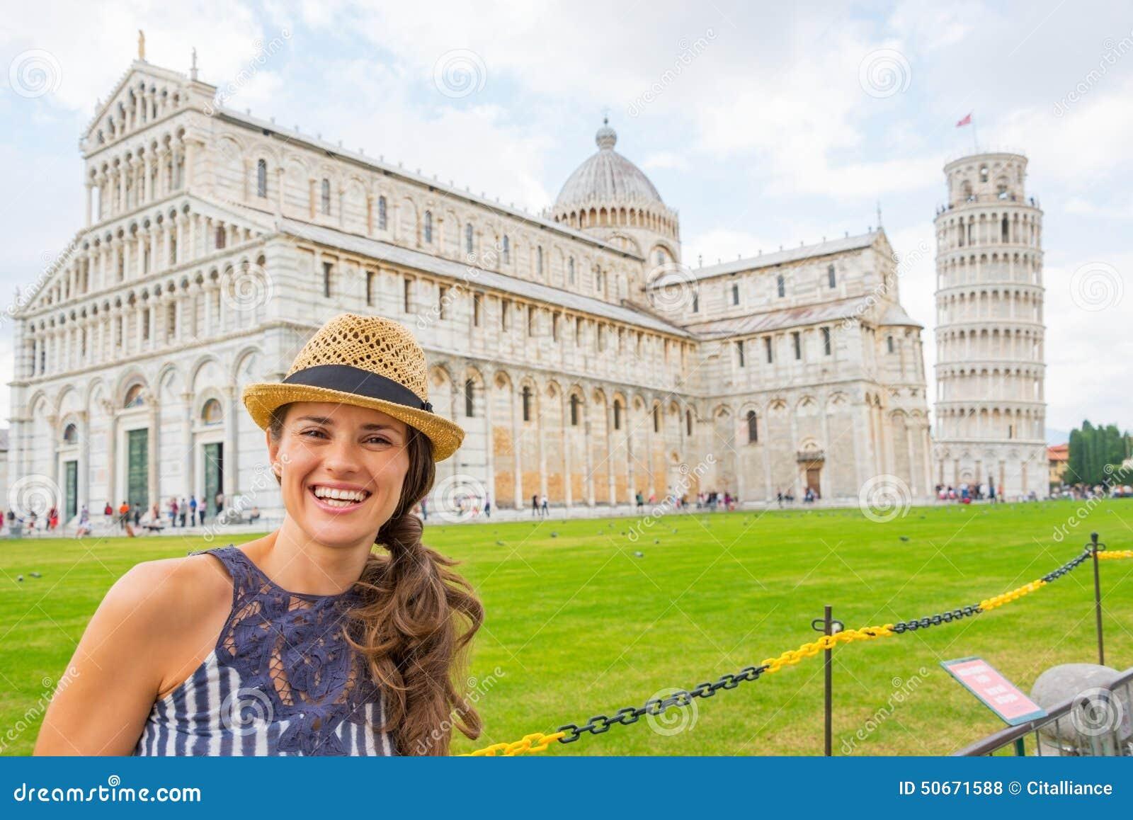 广场dei miracoli的,比萨,托斯卡纳,意大利妇女