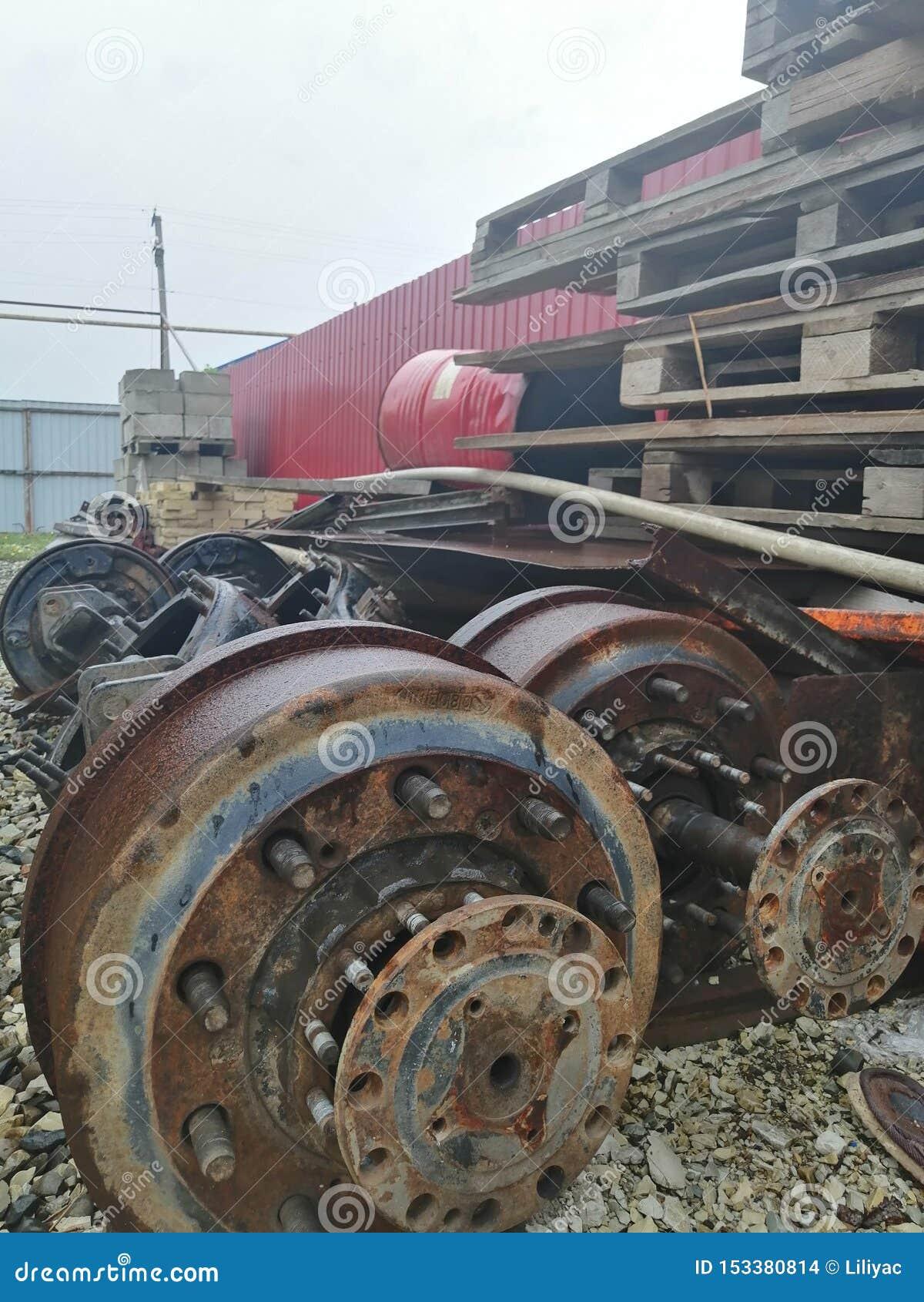 废金属和其他技术废物大垃圾填埋