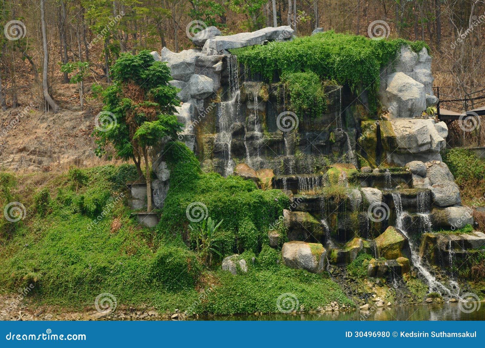 庭院瀑布,清迈动物园.图片